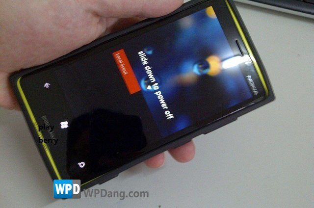 Lumia-900-Fake-prototype_2